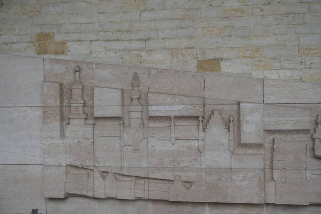 Bas-relief de Georges Dobbels.